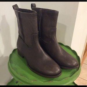 Frye Short Cara Boot